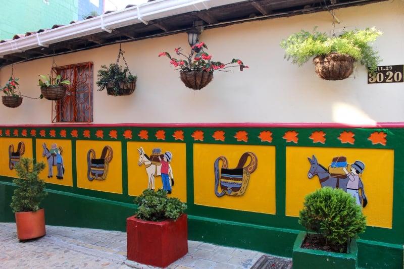 Zocalos in Guatape