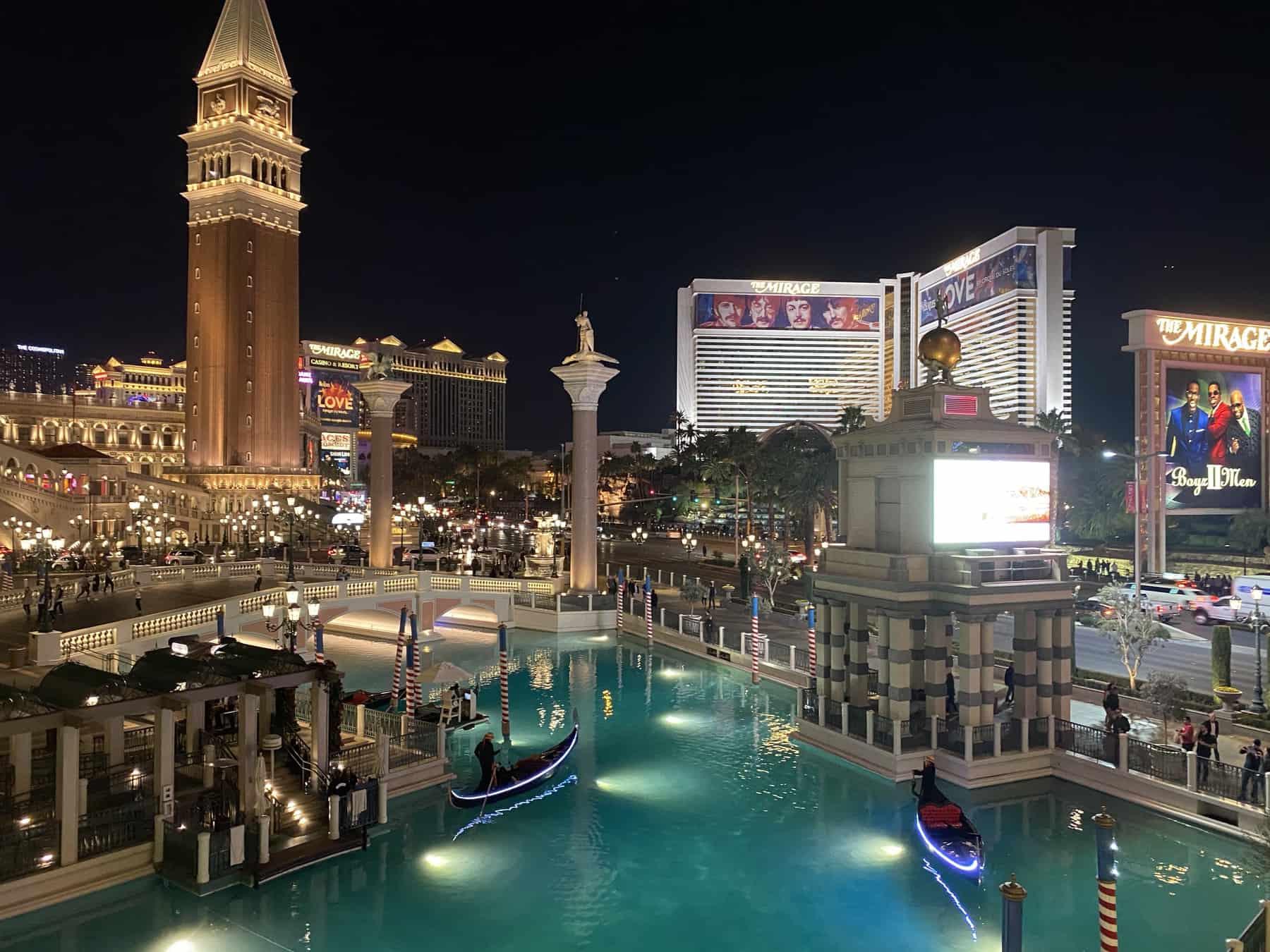 Las Vegas Couples Weekend Getaway